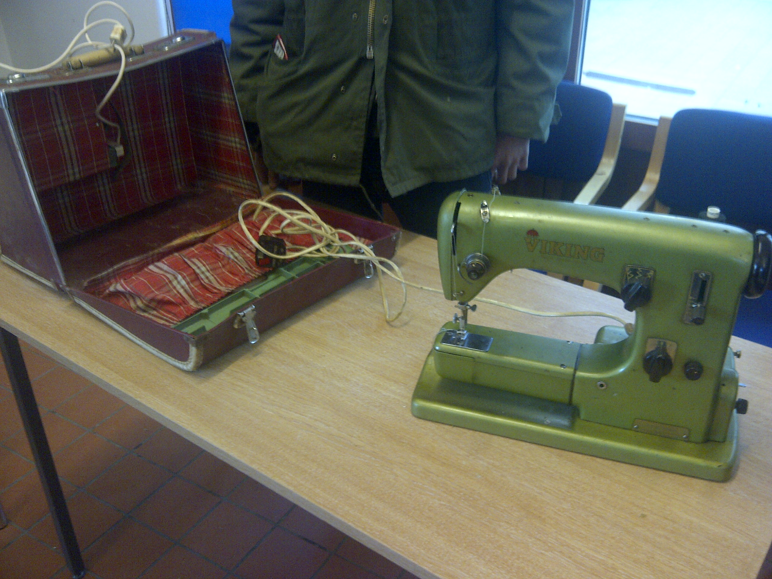This classic sewing machine had beed stored and was seized up when it arrived. We helped the owner get it working and they even did a bit of sewing before they left!