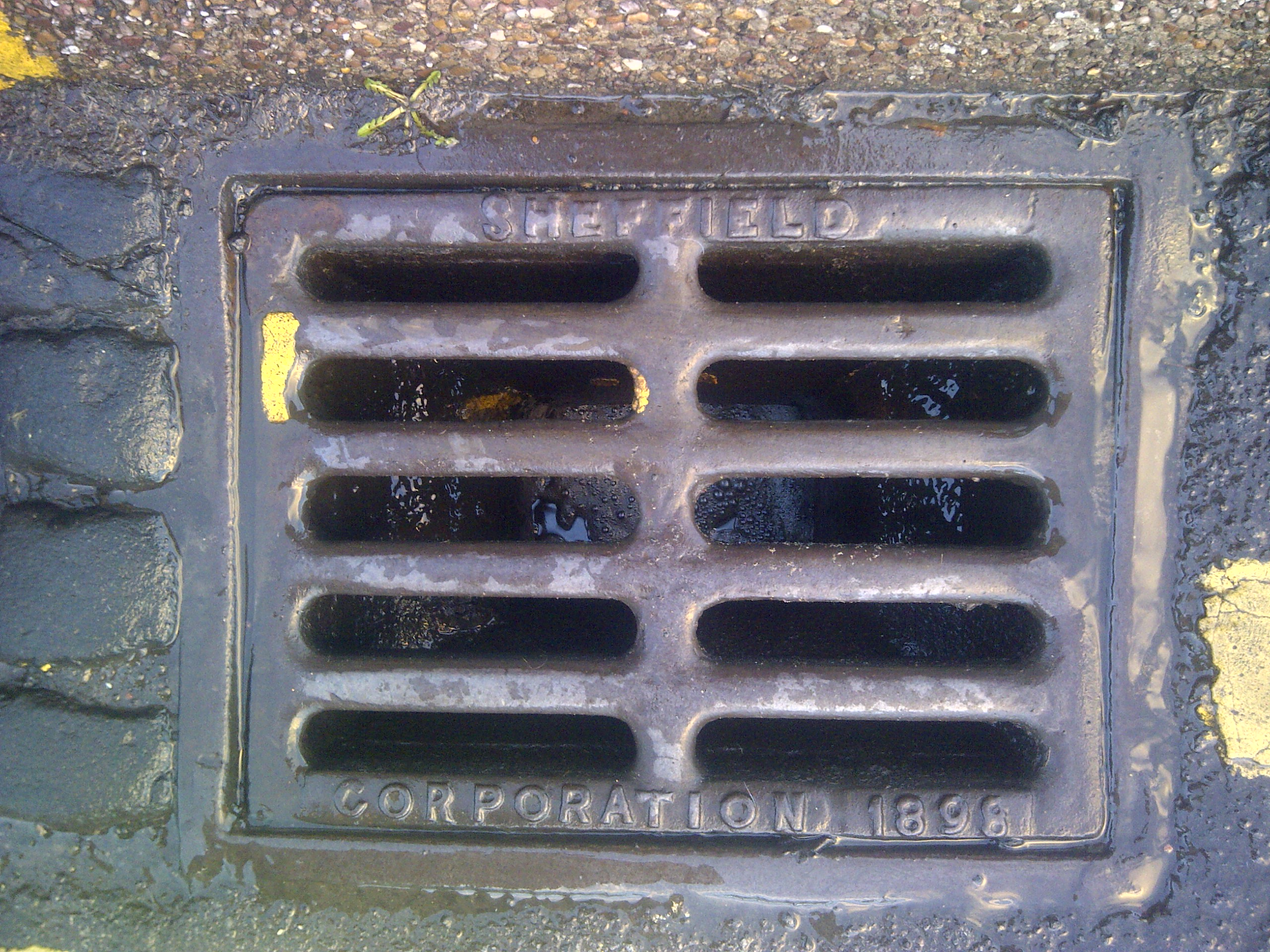 Sheffield Corporation 1898 drain at Commonside.
